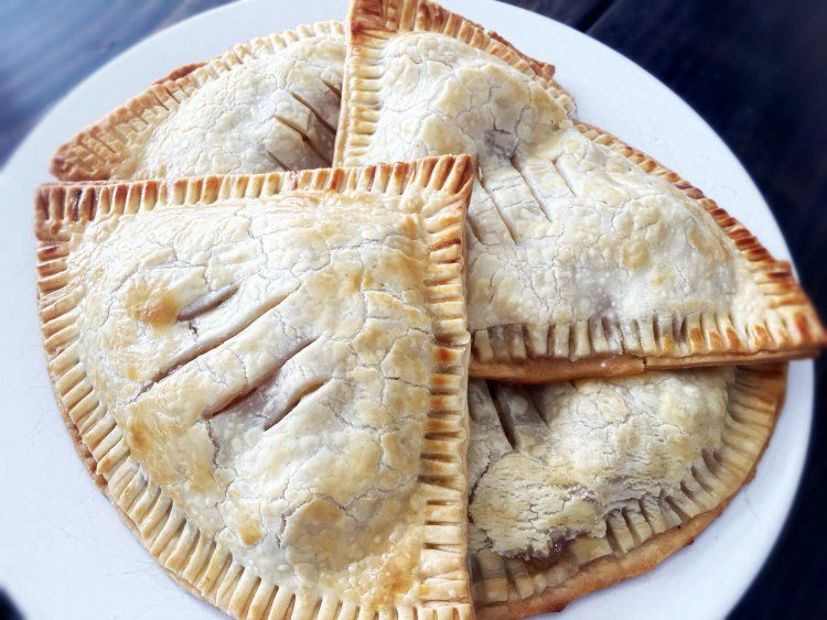 Super quick, easy and delicious personal apple pie recipe