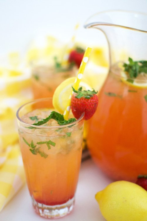 Make this quick and delicious strawberry mint lemonade recipe!